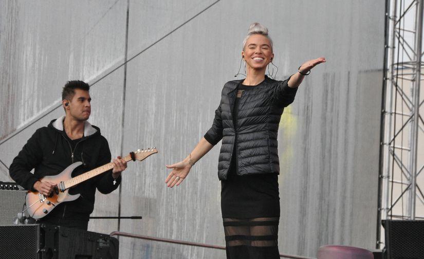 Трогательным концертом Варвары Визбор завершился праздник уличной еды и уличной культуры в Норильске