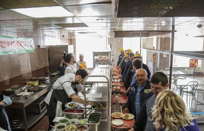 Обед в стиле haute cuisine в столовой Медного завода